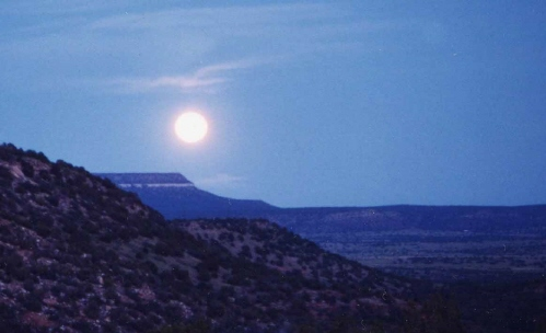 Moon_over_Valley_low